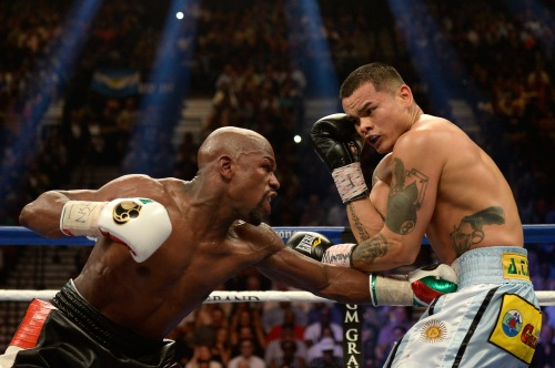 No fighter in history could land a crisp jab to the body like Mayweather does. The great Andre Ward said that he took this idea from Mayweather and tries to emulate it